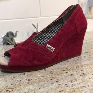 TOMS Raspberry Coloured Corduroy Peep Toe 😍